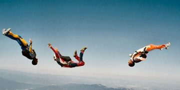 ZNMD-skydiving