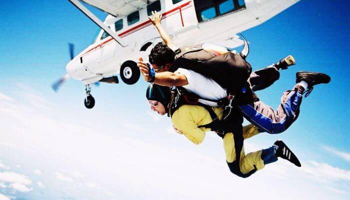 aamby-valley-skydiving